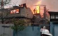 При пожаре в частном доме в Харькове пострадали люди