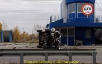 В Киеве авто на огромной скорости протаранил пост ГАИ
