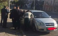 Чиновника горсовета в Херсоне задержали на передаче взятки