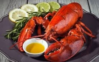 Чиновник лишился поста из-за любви к омарам