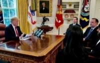 Трамп провел встречу с главой Twitter