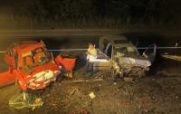 Кровавое ДТП под Киевом: Mazda и Skoda не поделили дорогу