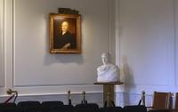 Наполеон за $12 млн: в мэрии американского городка обнаружили скульптуру Родена
