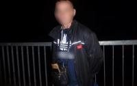 В Киеве жестокий грабитель избил и душил девушку