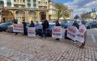 Челомбітька – на нари: У Києві пікетували Головне управління внутрішніх справ