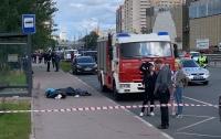 Под Москвой автобус снес остановку с людьми (видео)
