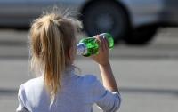 На Донетчине 14-летняя девочка отравилась алкоголем