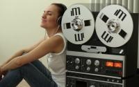 Девушку посадили за решетку за прослушивание любимой песни