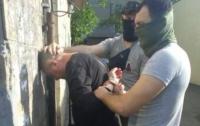 Таможенника в Донецкой области поймали на огромной взятке