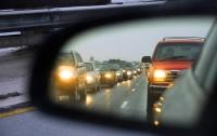 С октября водители должны будут включать фары днем