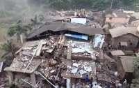 В Индии рухнул многоэтажный дом: под завалами около 200 человек (фото, видео)