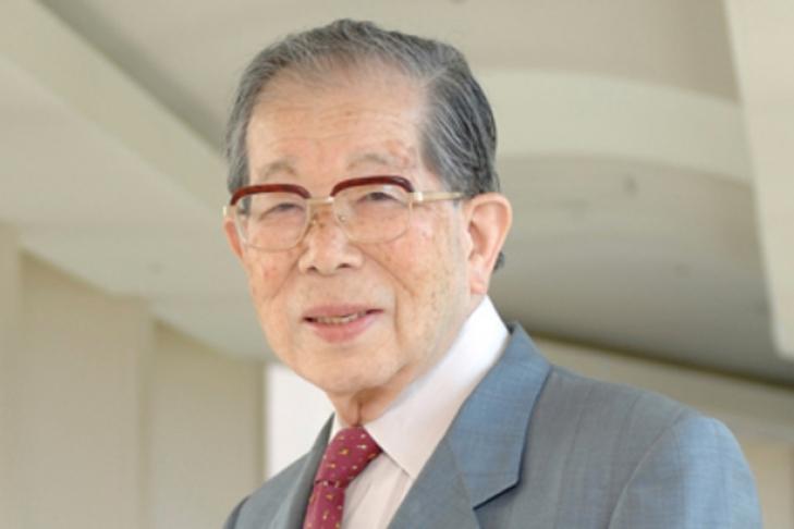 Практикующий доктор вЯпонии скончался на106-м году жизни