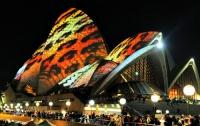 Австралийцы заставили Сиднейскую Оперу «порхать» гигантской бабочкой (ФОТО)