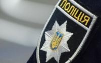 Полицейский с ножом напал на малолетнего ребенка