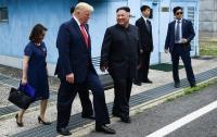 Чиновница из Белого дома получила травмы на встрече Трампа и Ким Чен Ына
