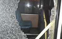 Пассажиры попали под обстрел: в Никополе нападению подверглись около пяти автобусов
