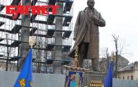 В МВД считают, что памятники Бандере уничтожает межрегиональная группа