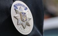 В киевском метро мужчина избил полицейского