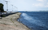 На Киевском море затонула лодка с тремя мужчинами, один пропал