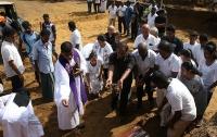 Число погибших при взрывах на Шри-Ланке достигло 310 человек