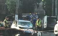 Патрульная пострадала при столкновении микроавтобуса и авто полиции в Одессе