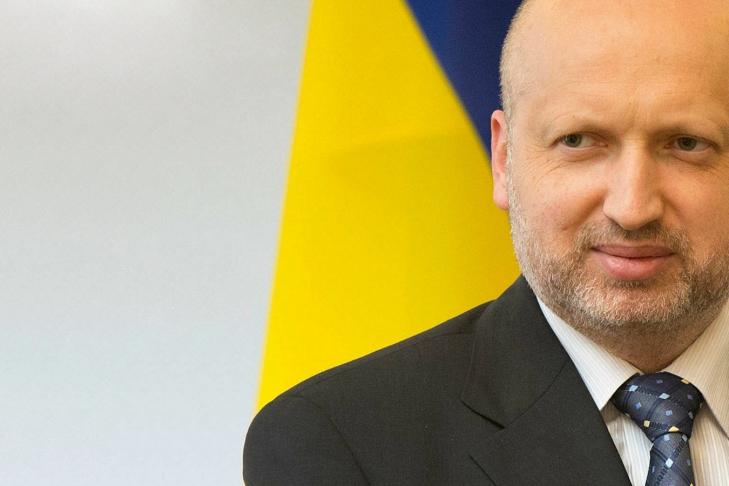 Турчинов: Рада должна ввести визовый режим сРФ доканикул