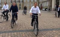 Почему в Украине политики не ездят на велосипедах