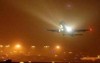 В аэропорту ЮАР экстренно приземлился горящий самолет