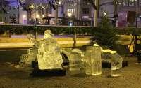 Скульптура из льда задавила ребенка на ярмарке в Люксембурге