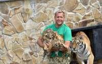 Директор зоопарка в Ялте объявил голодовку