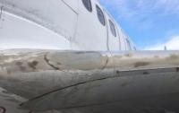 В аэропорту Запорожья самолет после приземления вляпался в жидкий бетон