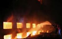 В Бангладеш новый пожар: горит все то же предприятие