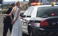 Невесту арестовали по пути на свадьбу