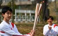 Факел олимпийского огня Игр-2020 погас в первый день эстафеты