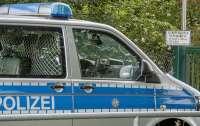 В Германии угнали фургон с 400 тыс. защитных масок