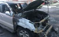 В Харькове сожгли дорогой внедорожник главы местной самообороны