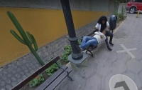 Мужчина увидел жену в обнимку с другим на Google Maps и развелся