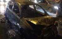 Масштабное ДТП в Киеве: автомобиль сгорел дотла
