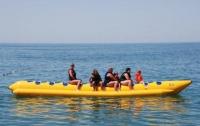 На популярном курорте подросток на водном аттракционе свернул себе шею