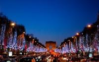 От нового года в Париже решили не отказываться