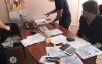 Директор крюинговой компании в Одессе попался на взятке