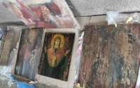 Пытался вывезти культурные ценности: на границе Украины поймали нарушителя