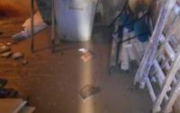 В Киеве коммунальщики спасли онкоцентр от потопа