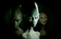 Инопланетяне вживляют людям чипы, - американский хирург