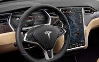 Автопилот Tesla оказался смертельно опасным
