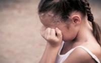 На Кировоградщине подросток поглумился над маленькой девочкой
