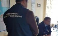 Киевский чиновник заставил своих подчиненных сделать в его квартире ремонт