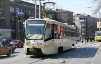 В Харькове пассажиры набросились на кондуктора и выкинули из трамвая