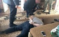На Харьковщине в шайку наркодилеров входили полицейский и чиновник
