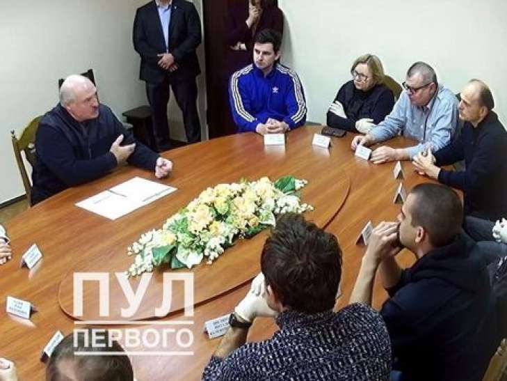 Политологу Виталию Шклярову заменили домашний арест наподписку оневыезде